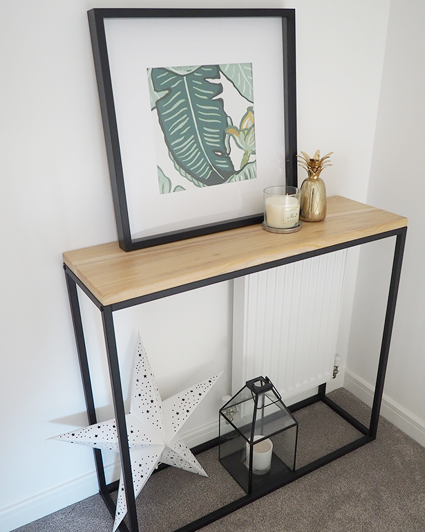 The Narrow Brooklyn Console table fills the space beautifully in Lynsey's hallway and looks great. Thank you Anothingtohome for sending us your photo.