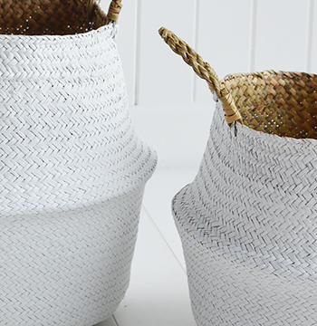 Set of 2 white baskets with handles
