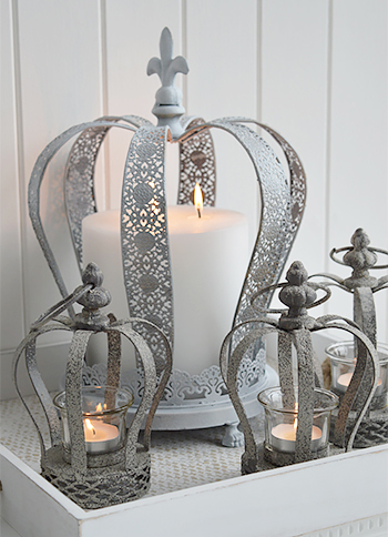 Grey crown candle holders
