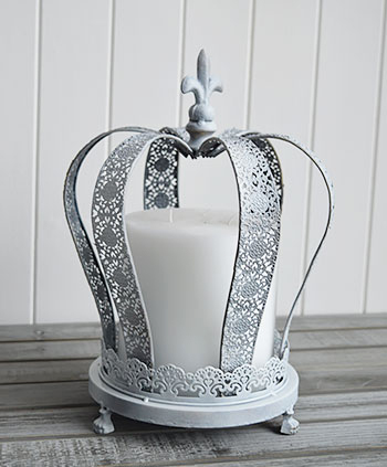 Grey large crown candle holder