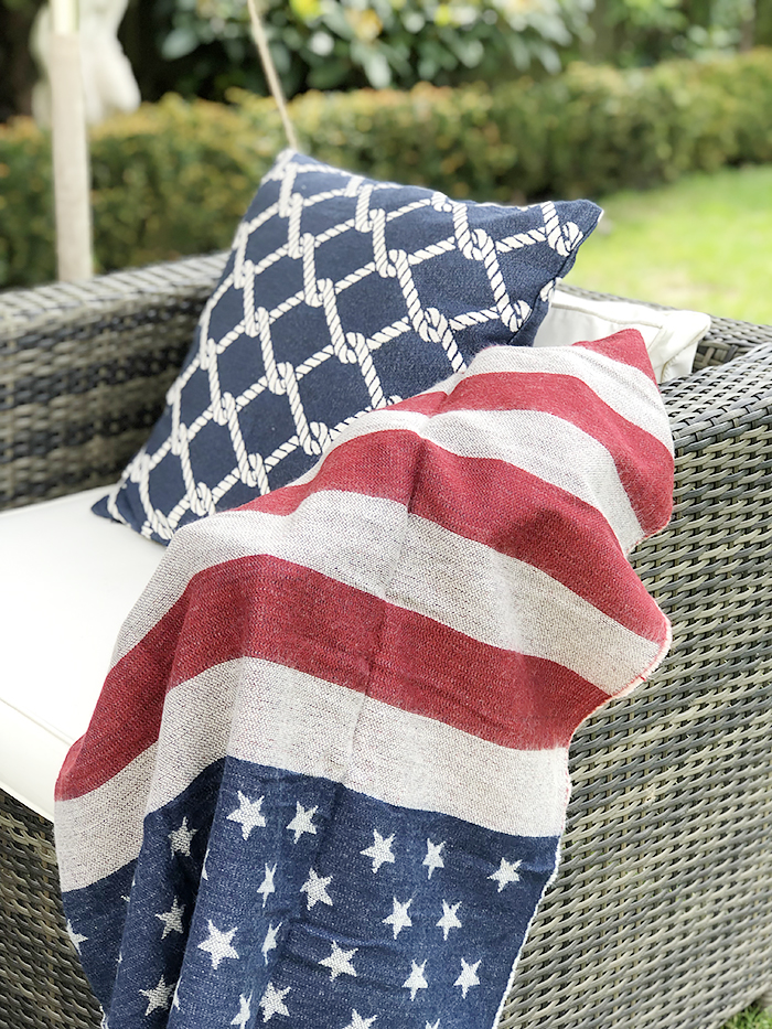 Get the New England outdoor lifestyle with our range of scarves and cushions