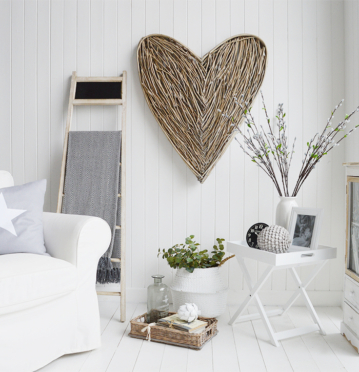 Large grey willow wall heart decor