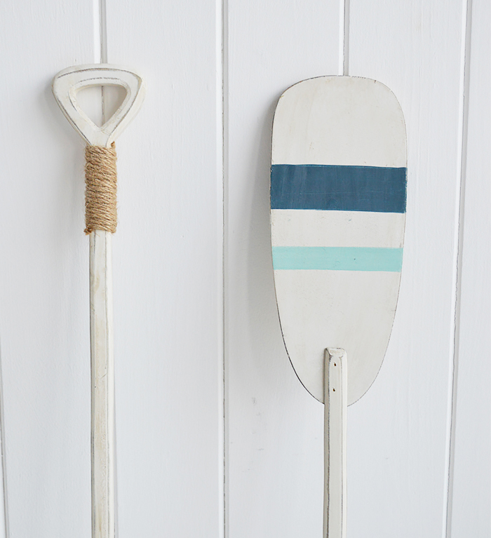 Pair od decorative wooden oars for homes by the sea