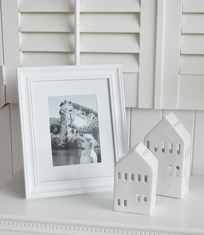 Camden white wood photo frame with a mount for 6 x 4 and 5 x 7 photogrpaphs in a simple design