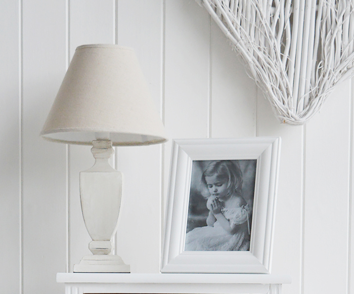 White photo Frame for 5 x 7 photograph