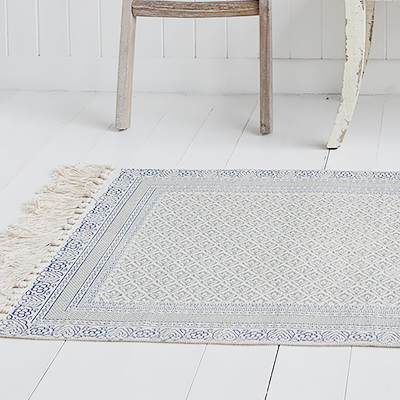 Our stunning Hamptons rugs in beautiful greys, blues and linen colour offer thick gorgeous floor coverings on carpets and hard floors alike.
