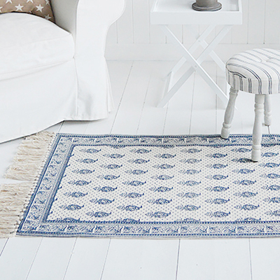 Our stunning Hamptons rug in beautiful blue and linen colours with a paisley styled design offer thick gorgeous floor coverings on carpets and hard floors alike.