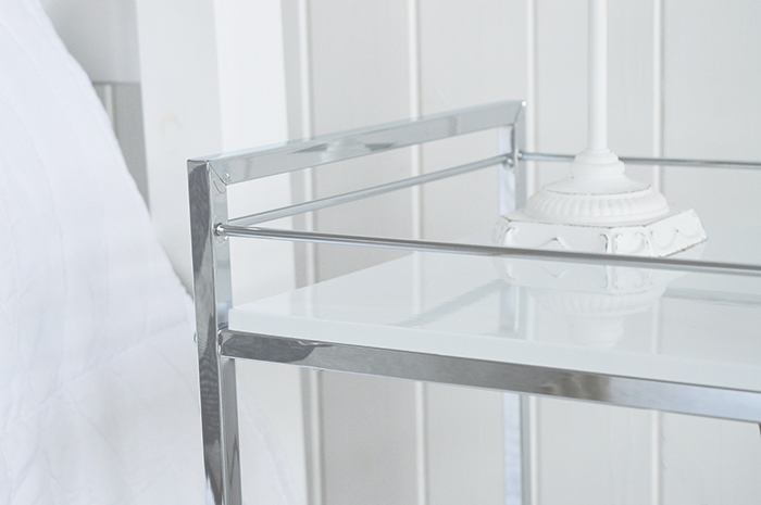 Shelf of the Hasting freestanding shelf unit in white and silver
