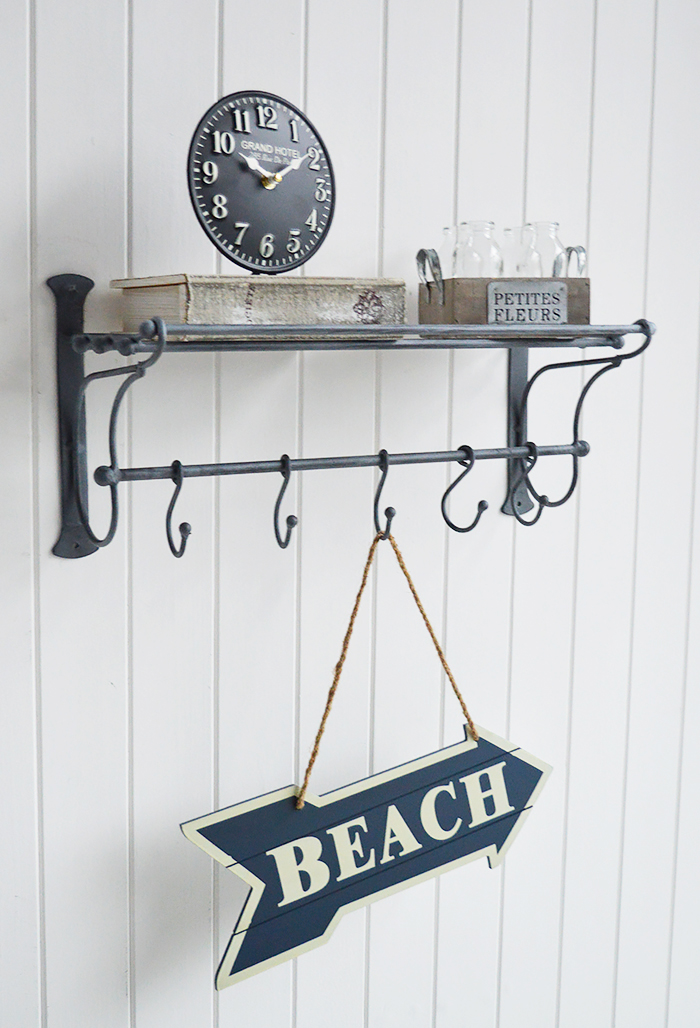 Wall decor with Marseille Vintage shelf with hooks for coat rack