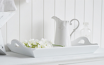 Add white interior accessories to finish the scandinavian look