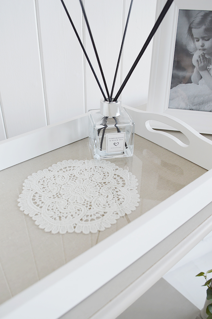Set of 2 white trays for home interior display