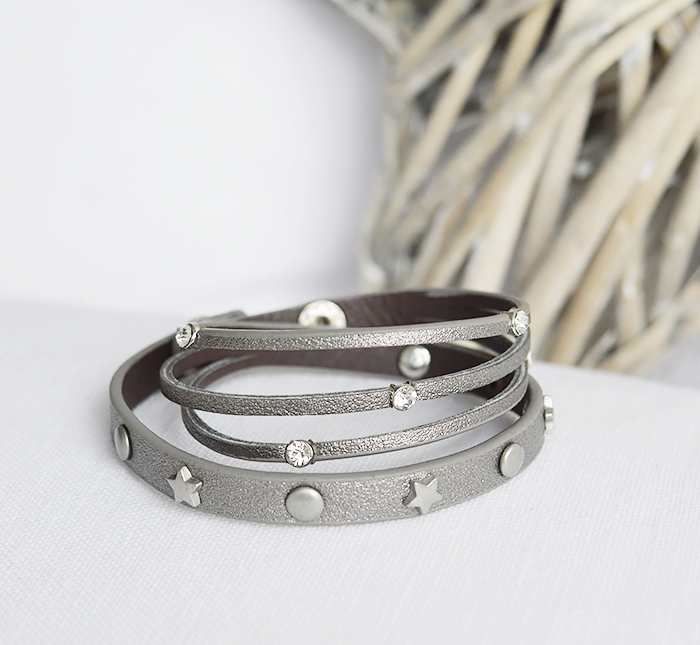 The White Lighthouse Furniture new England Lifestyle for Country and Coastal Living - grey star bracelet