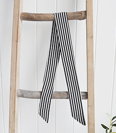 Black and White Stripe Scarf £3