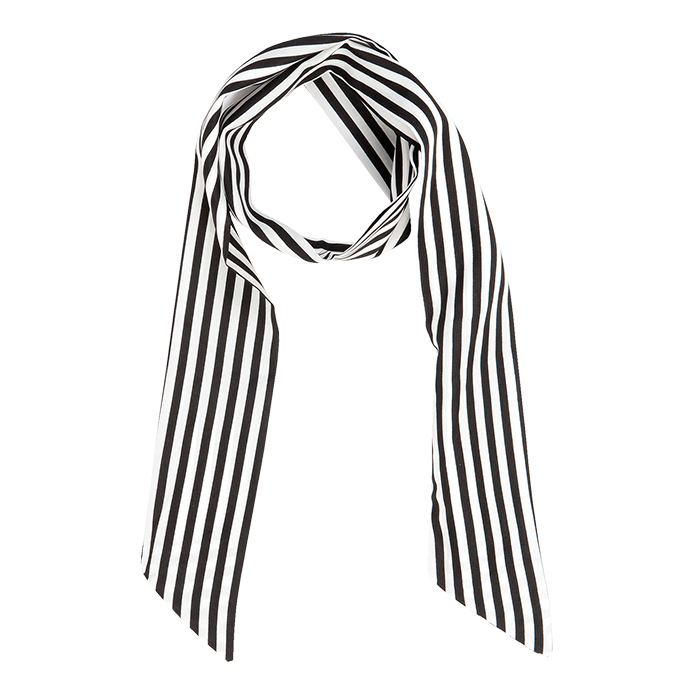 The White Lighthouse Furniture new England Lifestyle for Country and Coastal Living - blanck white striped scarf