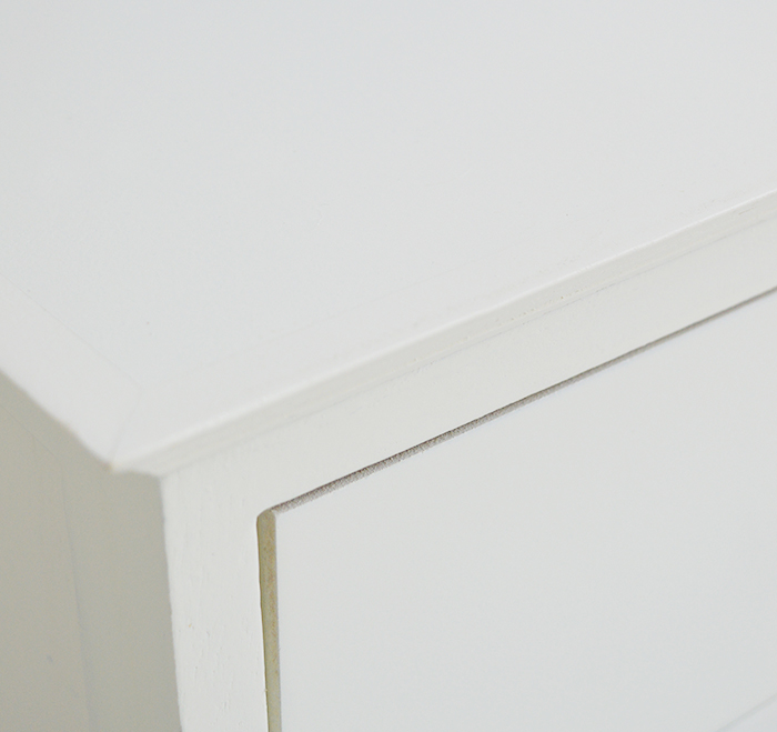 The close up of the cream Newbury bench shows the close up colour