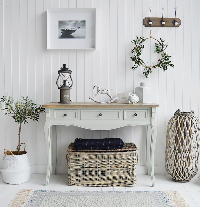 The Oxford console table with drawers, the Oxford hall table is an excellent choice with 2 drawers from The White Lighthouse range of large hallway furniture. Coastal, country, white and New England Furniture delivered to UK