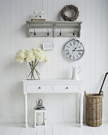 New England white and grey furniture for the hall