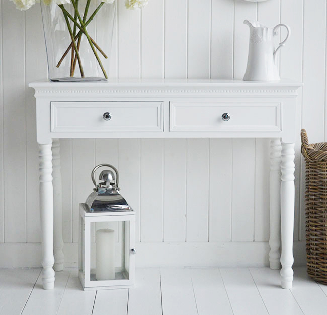 New England white console hallway table. Elgeant and sophisticated hall furniture for white interiors