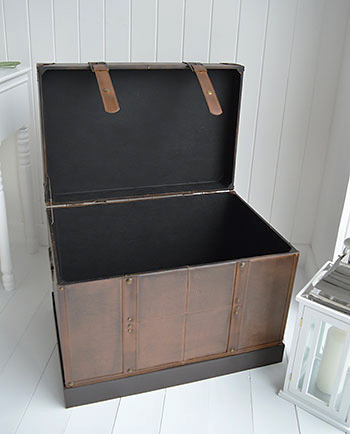 Panama faux leather storage trunk open