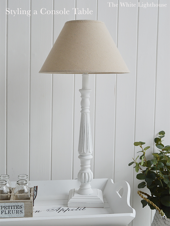 Greoup a table lamp with with home decor pieces