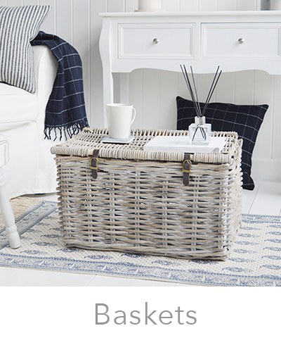 Storage baskets in willow and gret