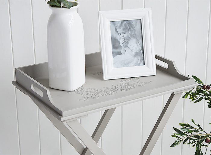 The Harvard folding tray table is a delightful addition to any room in your home. Ideal for all country, town, coastal and New England styled home interiors for living room