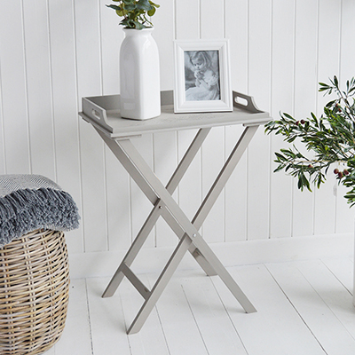 The Harvard folding tray table is a delightful addition to any room in your home. Finished in grey paint, with a hand drawn picture of a wreath, the Harvard would make a perfect side table in the living room or bedside in the bedroom.