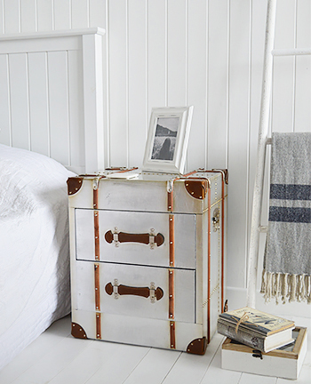 Manhattan silver bedside table with drawers