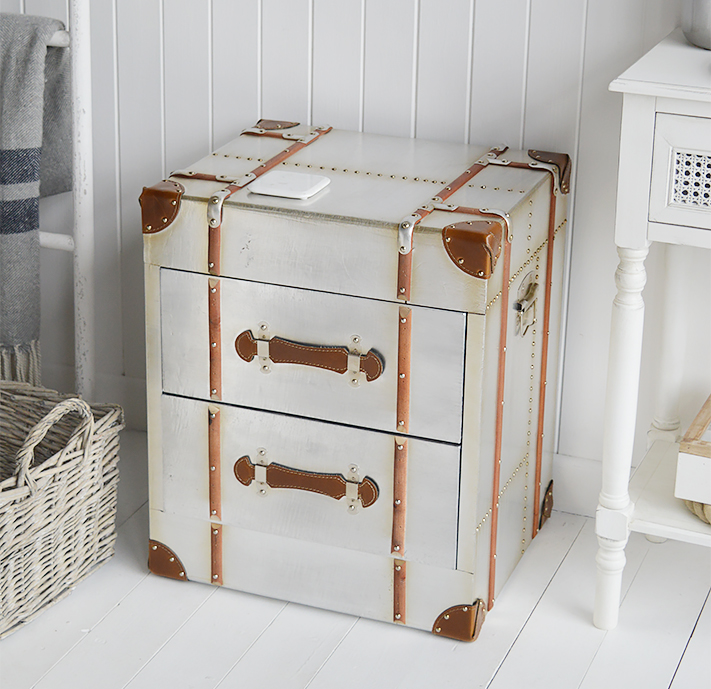 Manhattan silver chest of drawers in a vintage trunk style. Ideal storage for hallway furniture, bedside table or living room lamp side table