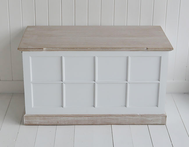 Vermont white storage trunk for white furniture in living room