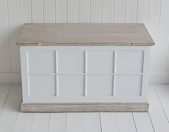 Etonnant Vermont White Storage Trunk For White Furniture In Living Room