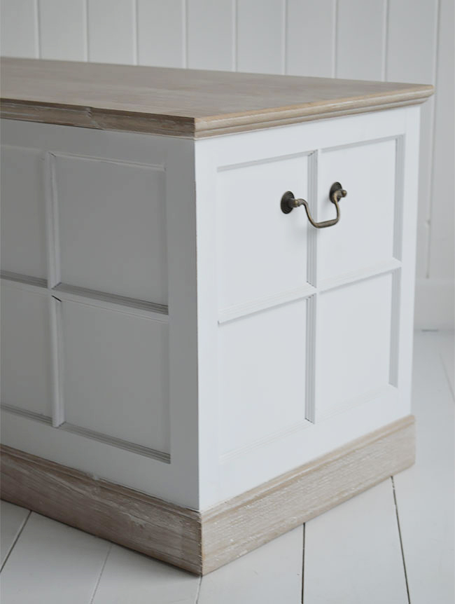 Vermont white storage trunk for white furniture in bedroom