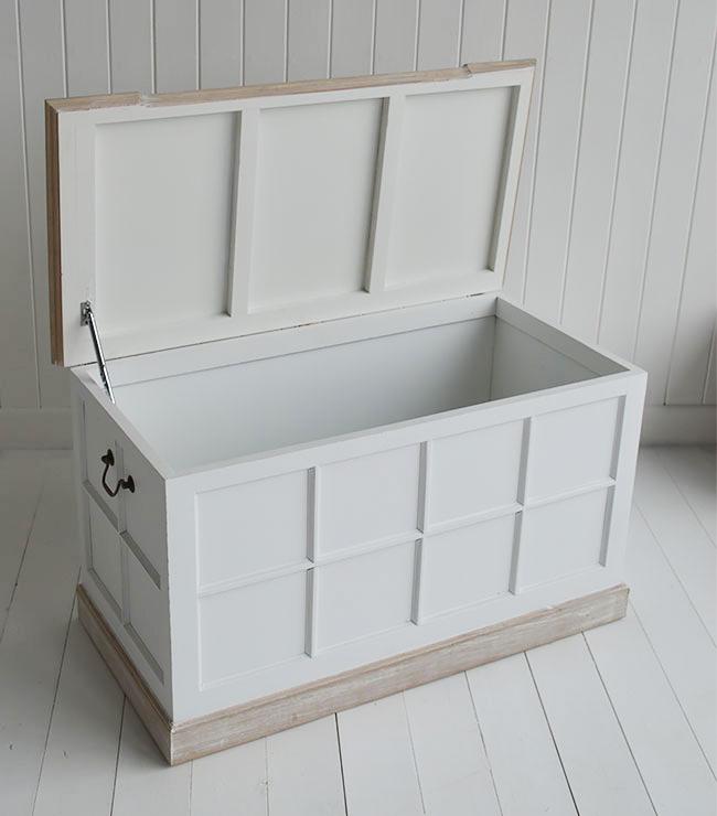Small Bathroom Storage Bench