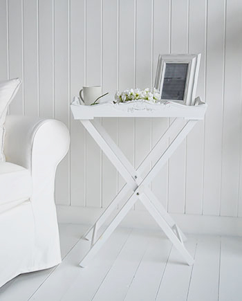 White tray table for small hallway furniture to add a lamp.