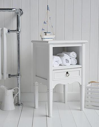 White beachhouse bathroom furniture for coastal homes