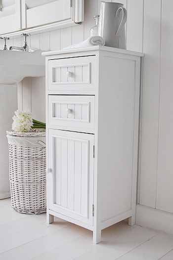 Maine Bathroom Cabinet with 2 drawers and cupboard for storage