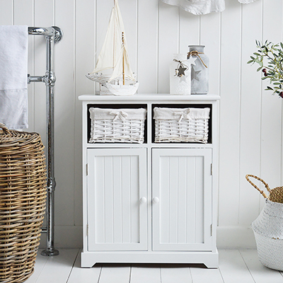The simplicity of the straight lines of he Maine reange of white bathroom storage furniture and cabinets and white colour offer this cabinet the abilty to complement any of our New England styles of interiors for the bathroom in country, coastal and city homes