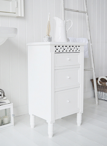 White free standing bathroon cabinet with drawers for storage