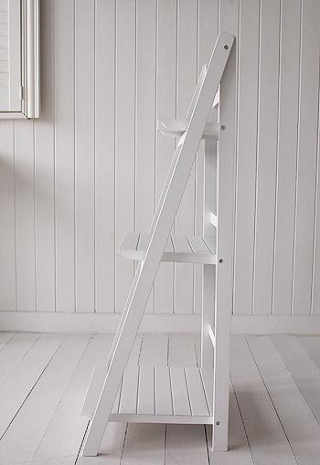 White freestanding bathroom shelves for Freestanding bathroom shelves