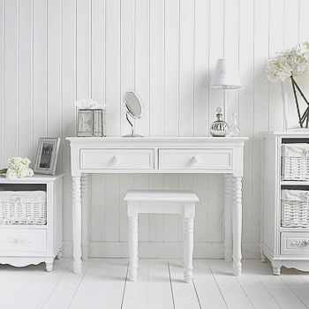 White bedroom furniture - Simple