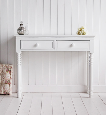 New England dressing table simply