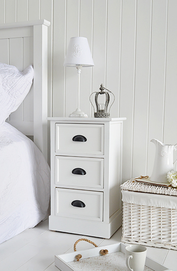 Fabulous Southport White Furniture 3 Drawer Bedside Table For Download Free Architecture Designs Rallybritishbridgeorg