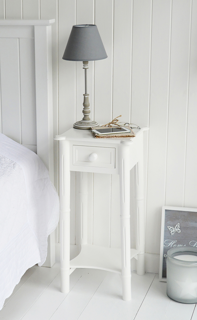 Top of the bedside tanle with white chunky handles to show the detail. A great table for besdie the bed for lamp